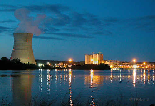 Arkansas Nuclear One at Night (4925a) | by zormsk
