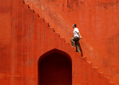 Red stairs( Jantar Mantar) | by llanosom