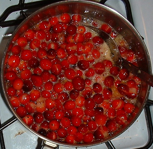 cooking cranberries | by ms.Tea