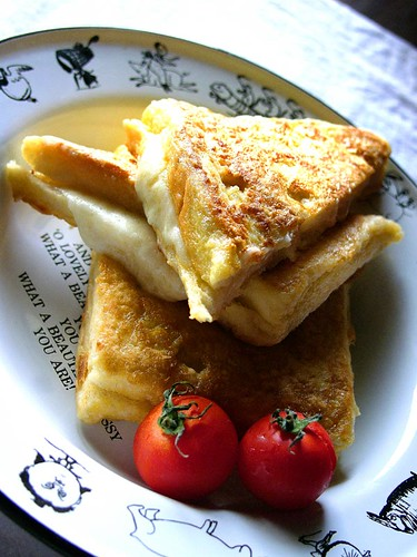 mozzarella en carrozza | by chotda