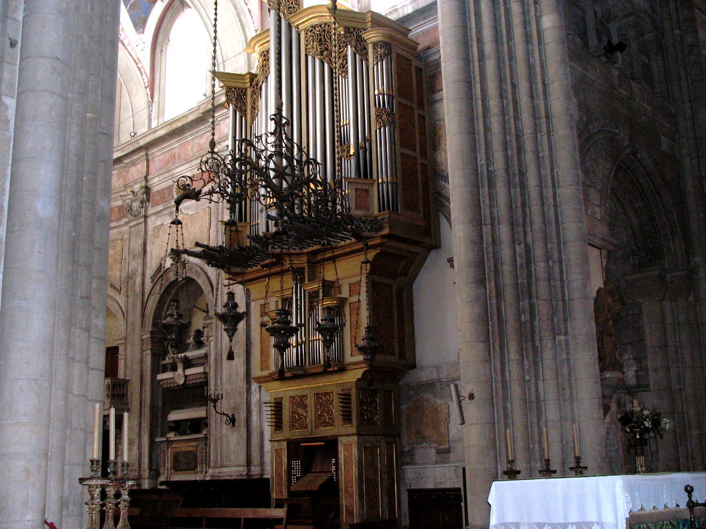 Lisbon - Cathedral Pipe Organ | There was another one on the ...