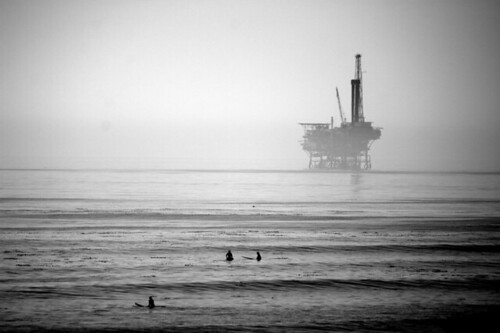 devereaux surfers and oil rig | by zinkwazi