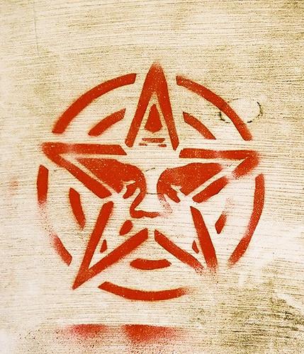 Obey star | stencil, Norwich 2004 | Ian Gallagher | Flickr