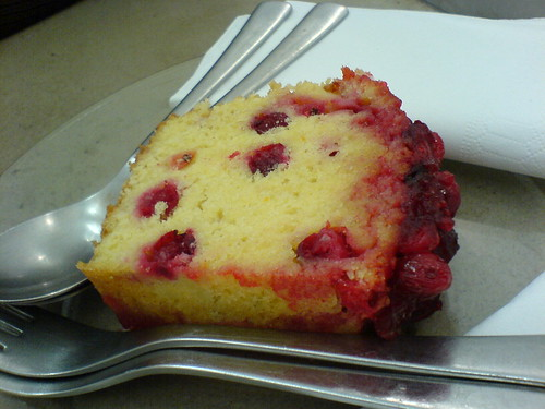 Cranberry cake | by clotilde