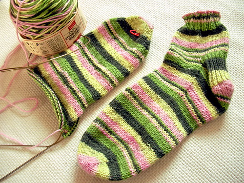Ankle socks for Mum: Progress | by elemmaciltur