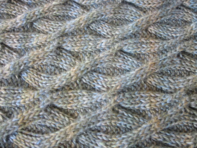 Here and There Cables Scarf Detail, horizontal | pattern: He… | Flickr