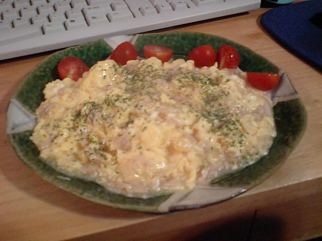 how to make scrambled eggs interesting