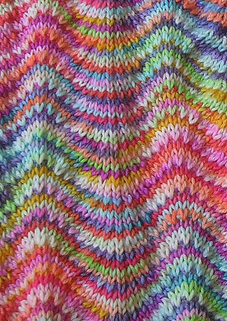 Knitting Terms M1 : Chevron scarf from lmkg close up of the