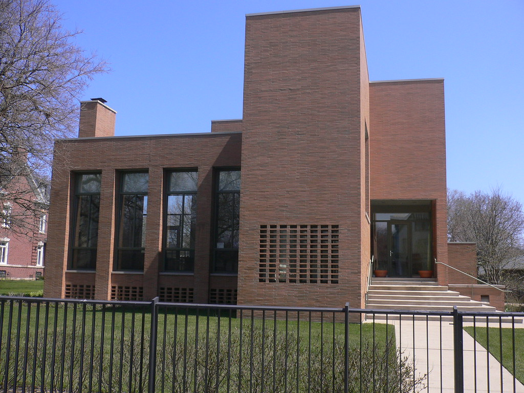 Modern house kenwood chicago designed by john vinci for Modern homes for sale chicago