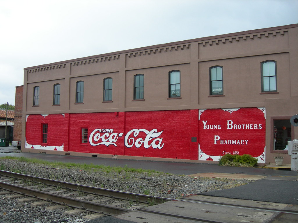 Coca cola mural the first coca cola mural in the world for Coca cola wall mural