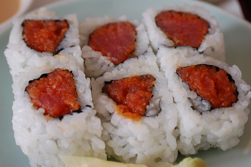 Spicy Tuna Roll - Tama Sushi | I prefer spicy tuna rolls ...