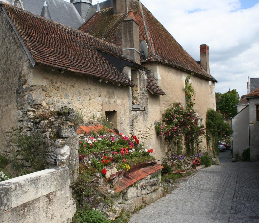 Monterors U Monterors: House And Garden, Montresor, France