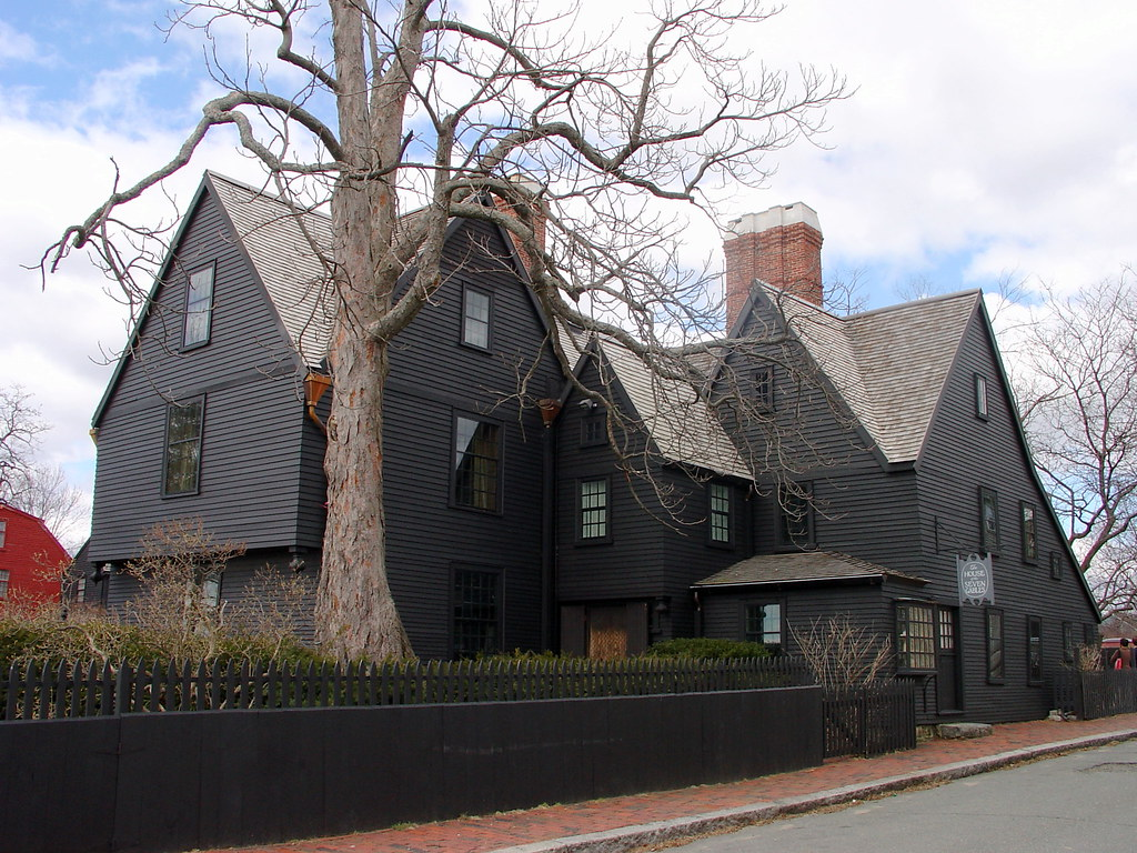the house of the seven gables essay