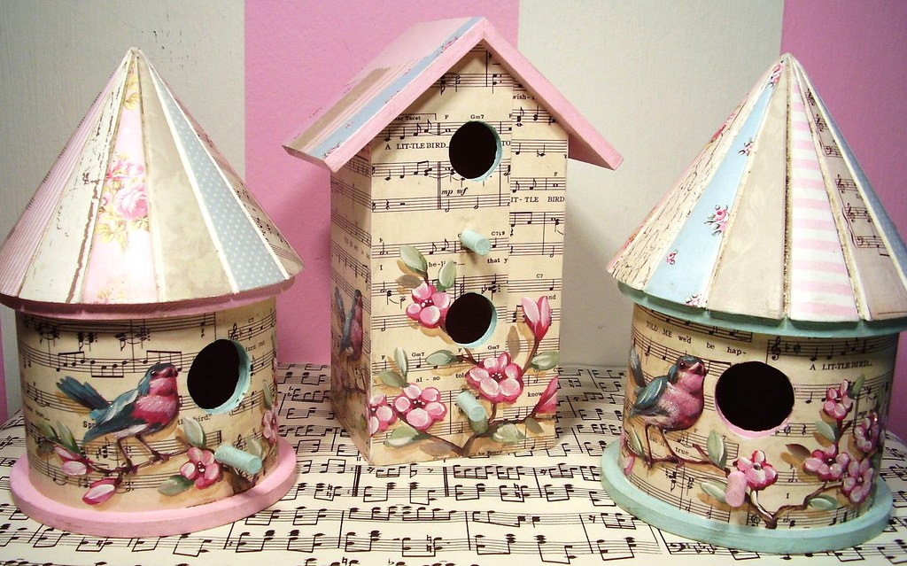Mother 39 s day birdhouses hand painted birds and flowers ov for Retro house music