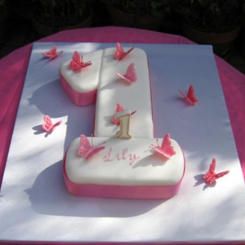 Fondant Cake Ideas For First Birthday : Lily s 1st Birthday cake (& my first fondant cake) Flickr