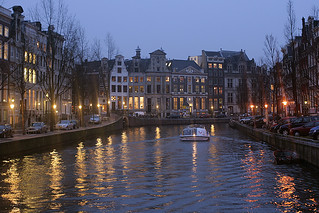Dusk at the Amsterdam canals | by macropoulos