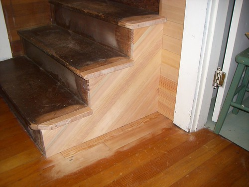 Old stairs the pony wall removed floor repaired and for Escalera madera sodimac