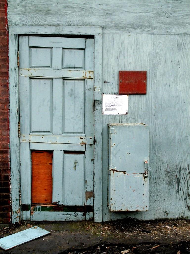 Blue Door Easthampton Ma Trailerfullofpix Flickr
