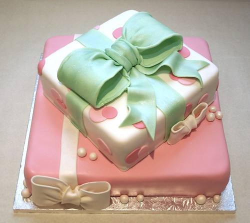 Birthday Cake Image Zeenat : Birthday Gift Cake This is a cake I made inspired by ...