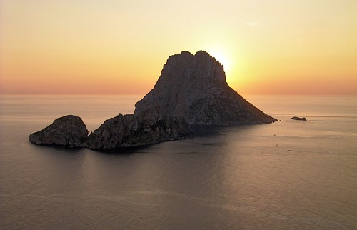 Ibiza sunset behind Es Vedrà islet | by Xosé Castro