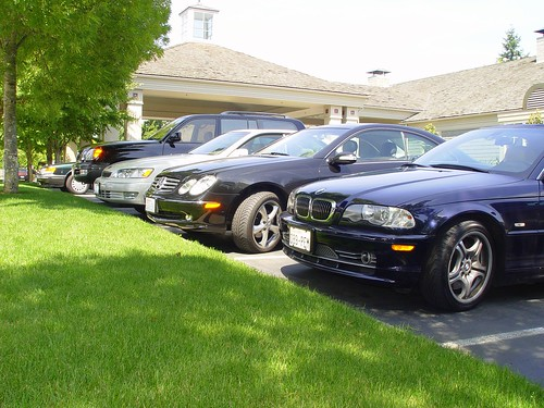 nice cars rich people 39 s cars at a country club in bellevue flickr. Black Bedroom Furniture Sets. Home Design Ideas