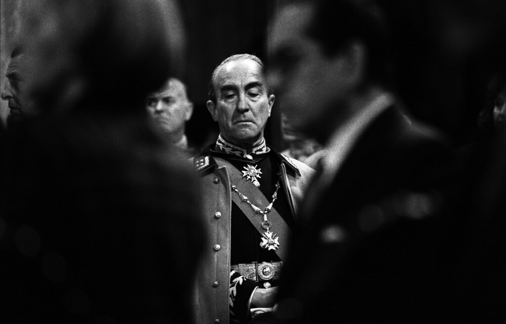 Gen. Sinclair at High Mass, Santiago, Chile, 1988 | by Marcelo  Montecino