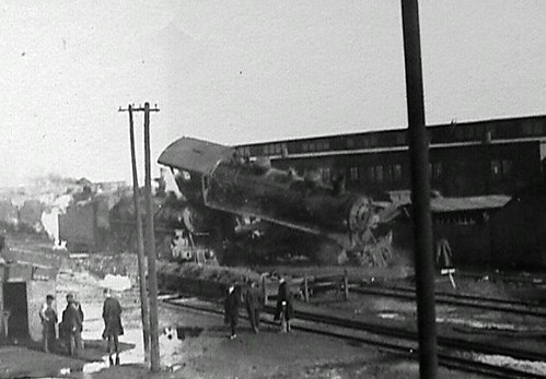 Train Wreck Prob Early 1900s Heres An Old Family Phot Flickr