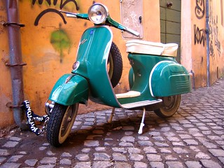vespa | by antmoose