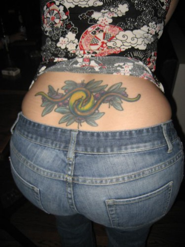 tramp stamp Latina