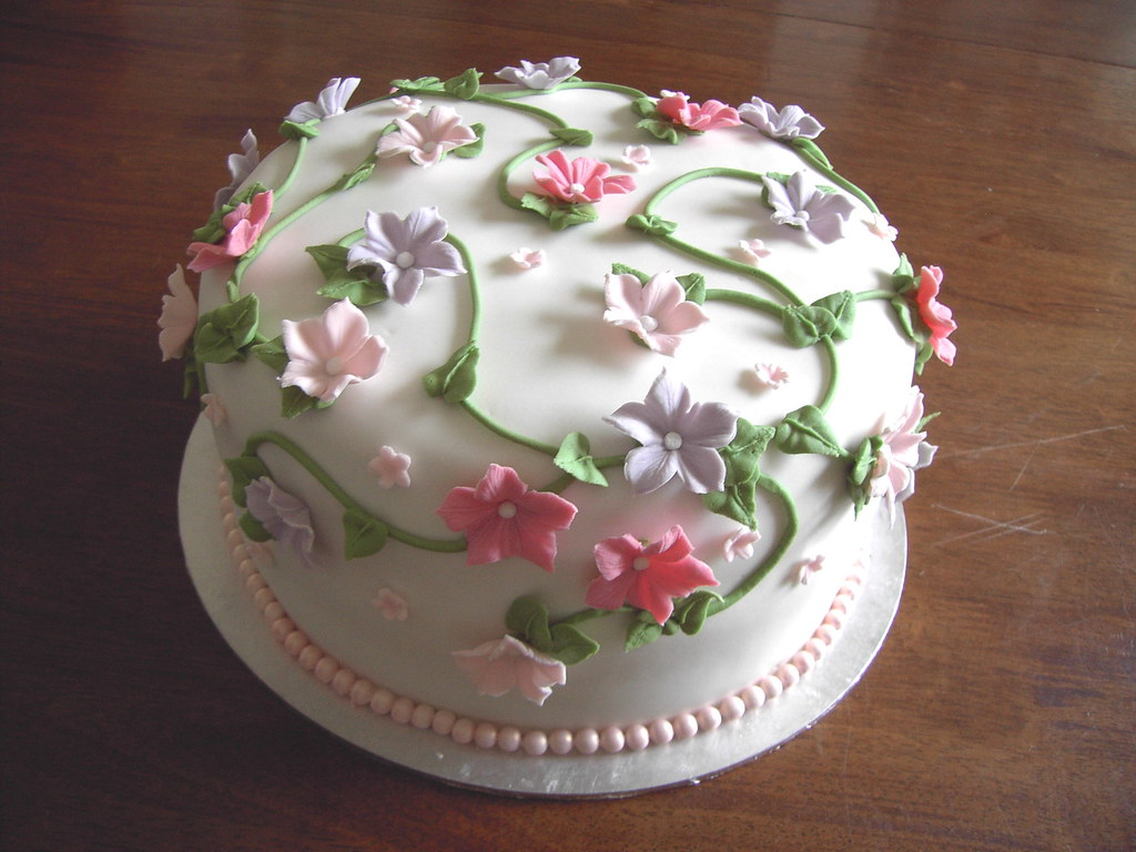 Petunia flower cake again i have used the petunia flower o flickr petunia flower cake by cakejournal petunia flower cake by cakejournal izmirmasajfo