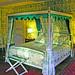 Chambre avec baldaquin au chateau de la Barre