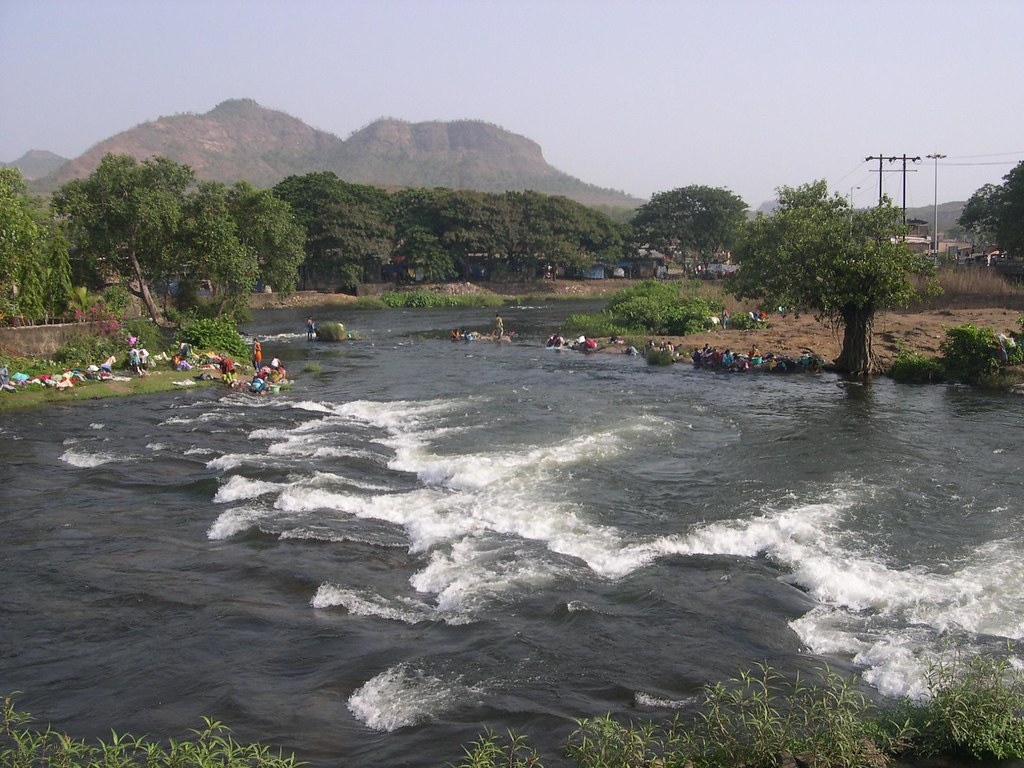 Khopoli At Bombay Pune Highway The Patalganga River At