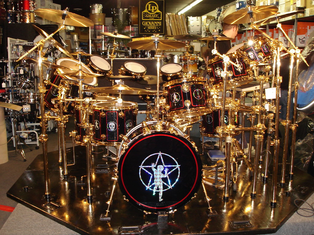 Neil Peart S Drum Kit In Pittsburgh Prof Tour Lerxstking Flickr