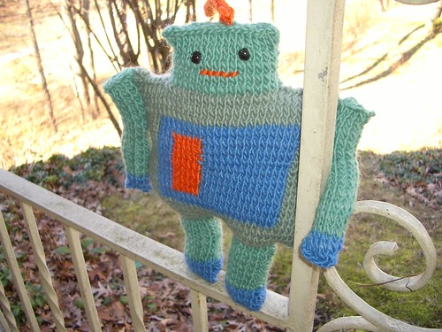 my knit robot. | by sugar-cookie