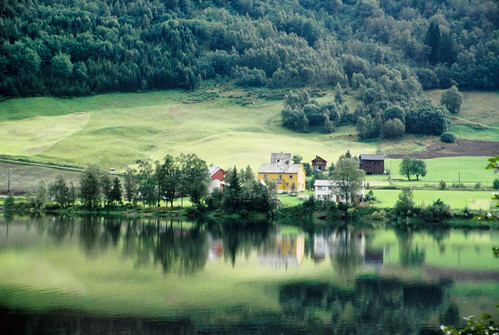 Farm on Fiord, Norway | by Yareque