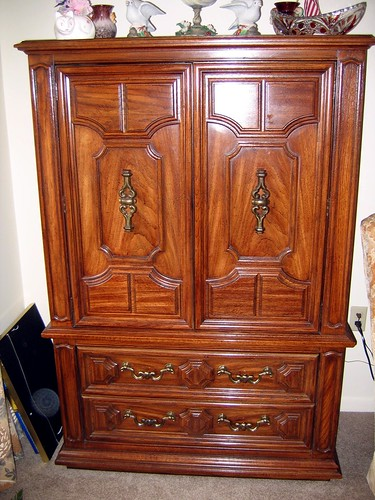 Sold thomasville pecan br armoire thomasville bedroo flickr for Thomasville white bedroom furniture