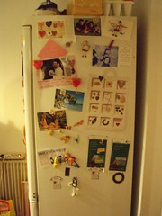 mon frigo de profil en fait mon frigo fait office de table flickr. Black Bedroom Furniture Sets. Home Design Ideas