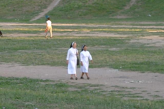 18.22 Nuns in  circo massimo