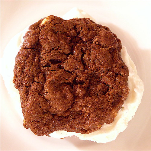 Chocolate Sandwich Cookie Cake