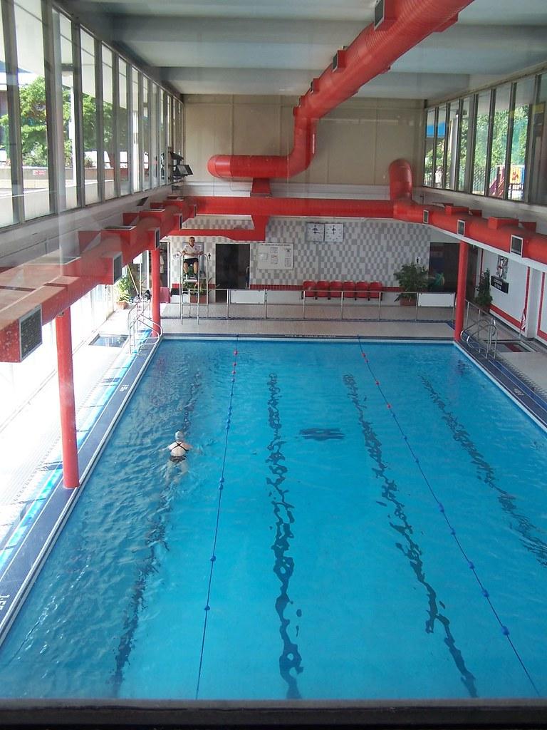 Free Swimming Pool: Golden Lane Swimming Pool