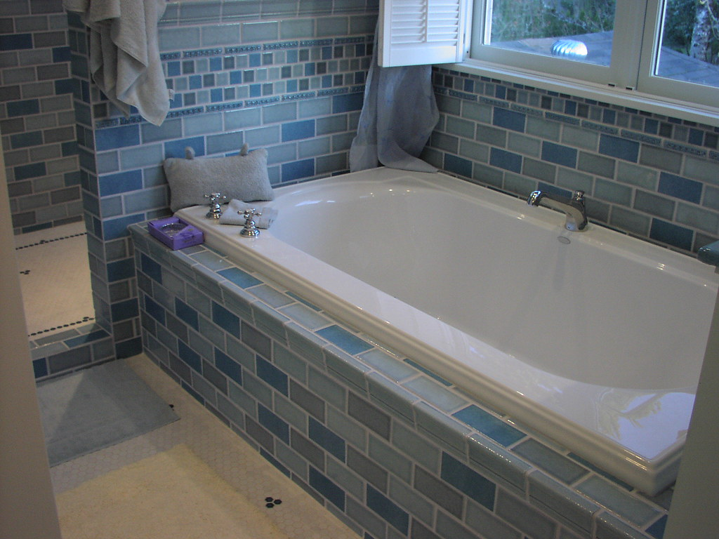 tuxedo surround sofa bath styles surrounds and classic of decorating for small bed tub inspiring bathroom types tile style design different bathtub ideas refreshing window plus with white