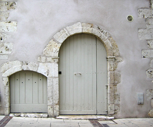 Small doors, Chartres | by Lú_