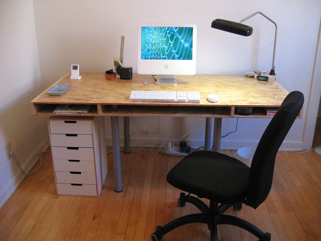 My New Desk I Built This Desk And Modeled It Off The