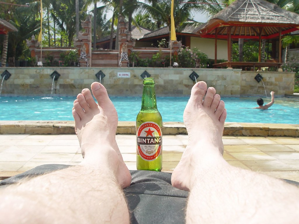 Pool, Beer, Feet