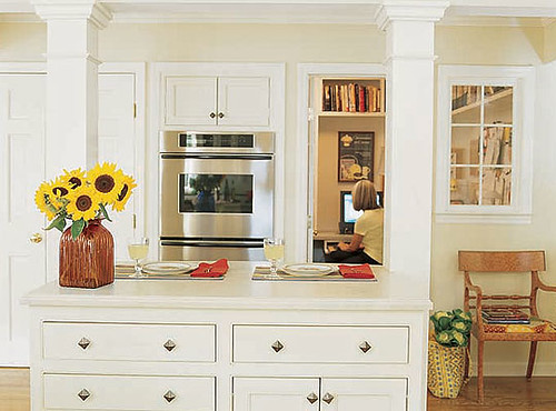 kitchen island with pillars | This island structure could