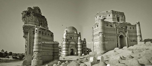 Uch sharif : Bibi Jiwandi and other half tombs | by Engineer J