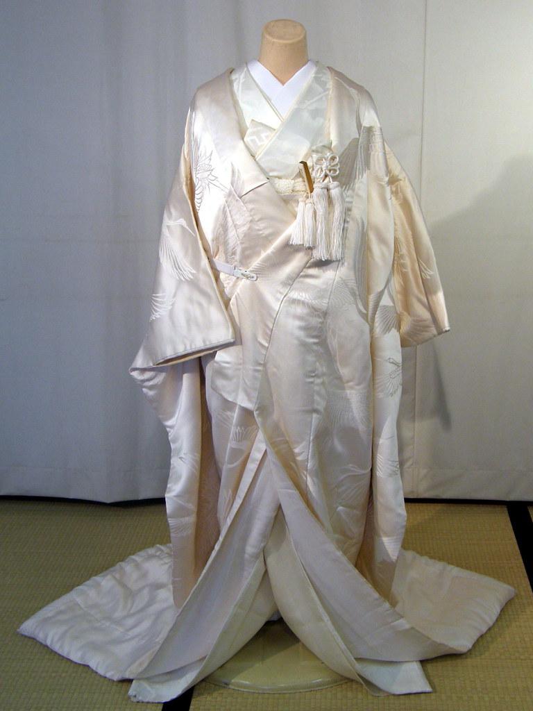 #3403 wedding kimono | See where this picture was taken ...
