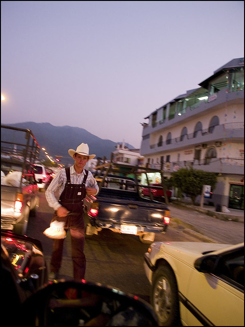 Amish >> An Amish Vendor | There are areas in Mexico where there are … | Flickr