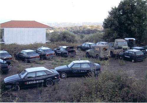 carabinieri car graveyard in sicily auto gravyard in sic flickr. Black Bedroom Furniture Sets. Home Design Ideas