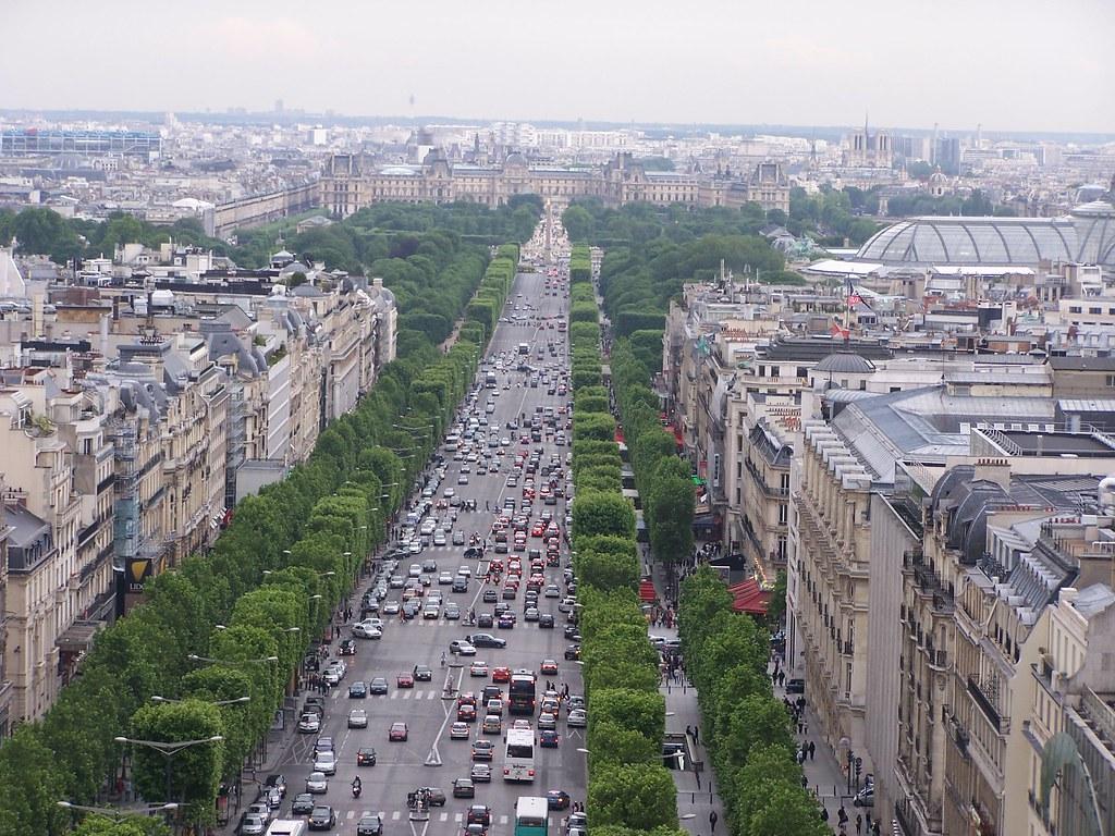 Avenue des champs elys es down the avenue des champs - Comptoir des cotonniers champs elysees ...